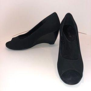 Aerosoles peep toe wedges